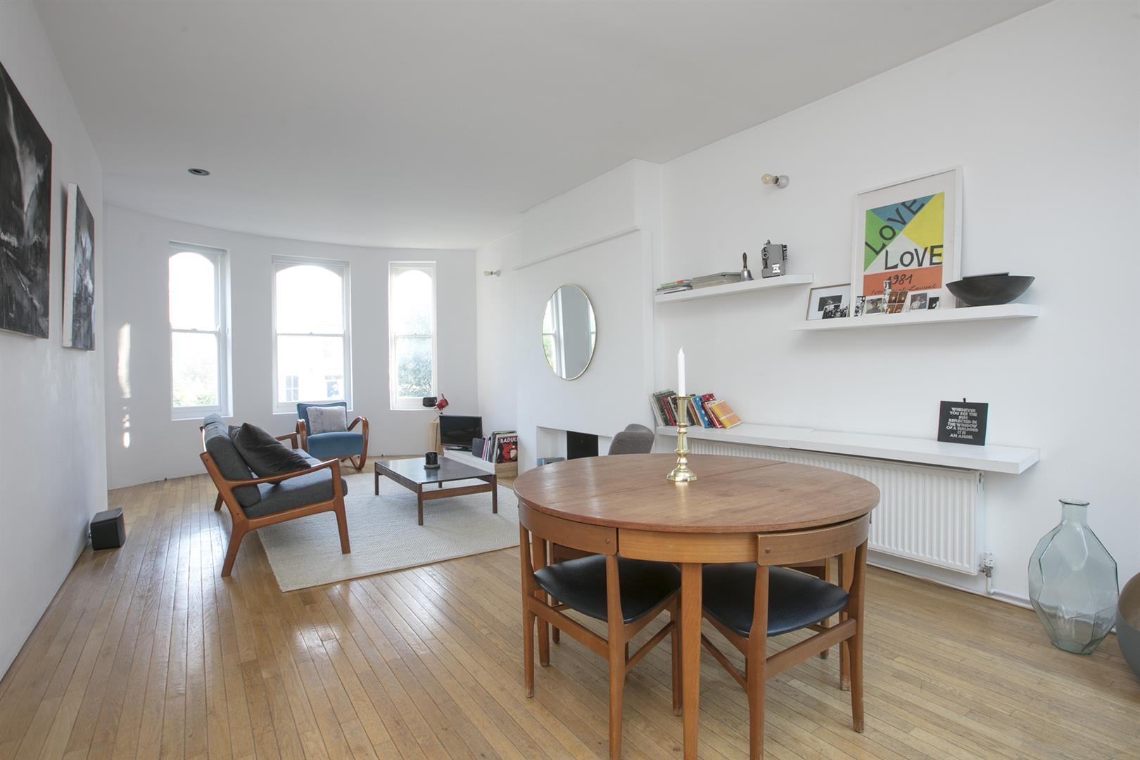 Flat/Apartment Sale Agreed in Camberwell Grove, Camberwell, SE5 526 view2