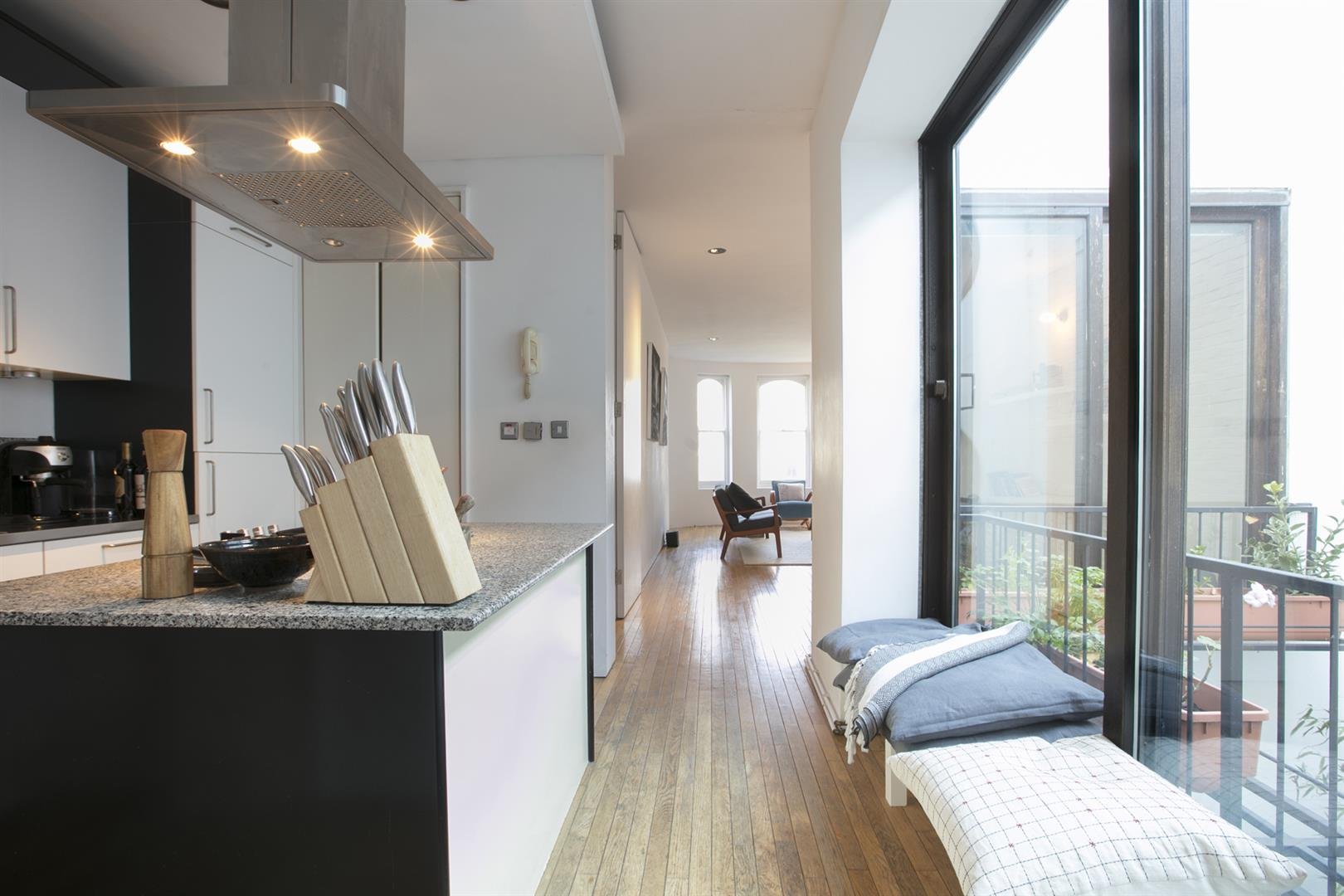 Flat/Apartment Sale Agreed in Camberwell Grove, Camberwell, SE5 526 view6