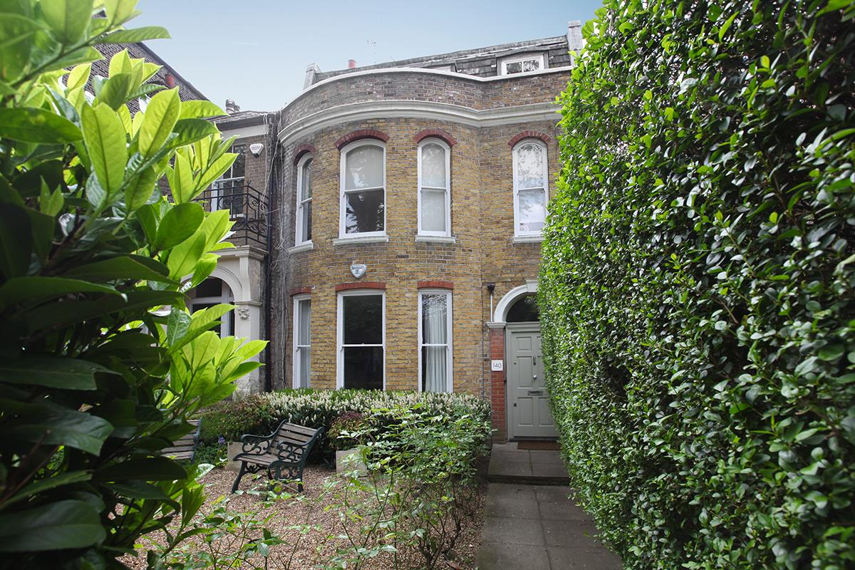 Flat/Apartment Sale Agreed in Camberwell Grove, Camberwell, SE5 526 view1