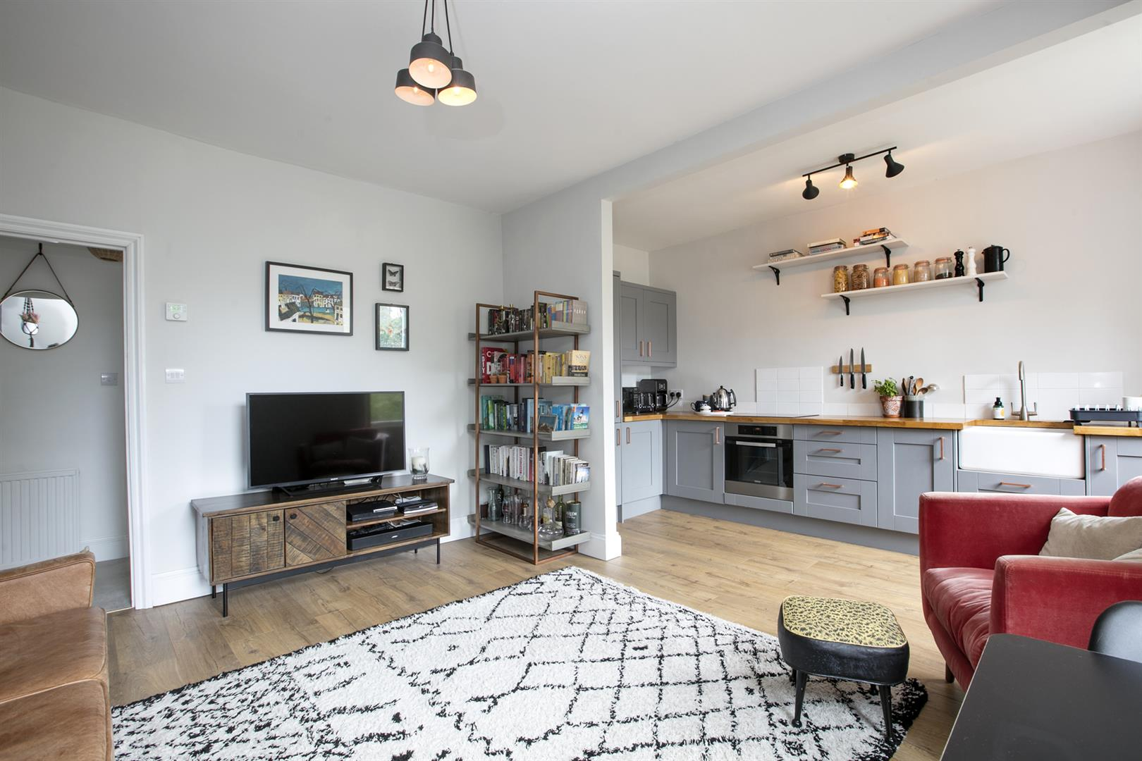 Flat/Apartment Sale Agreed in Camberwell Grove, London 612 view3