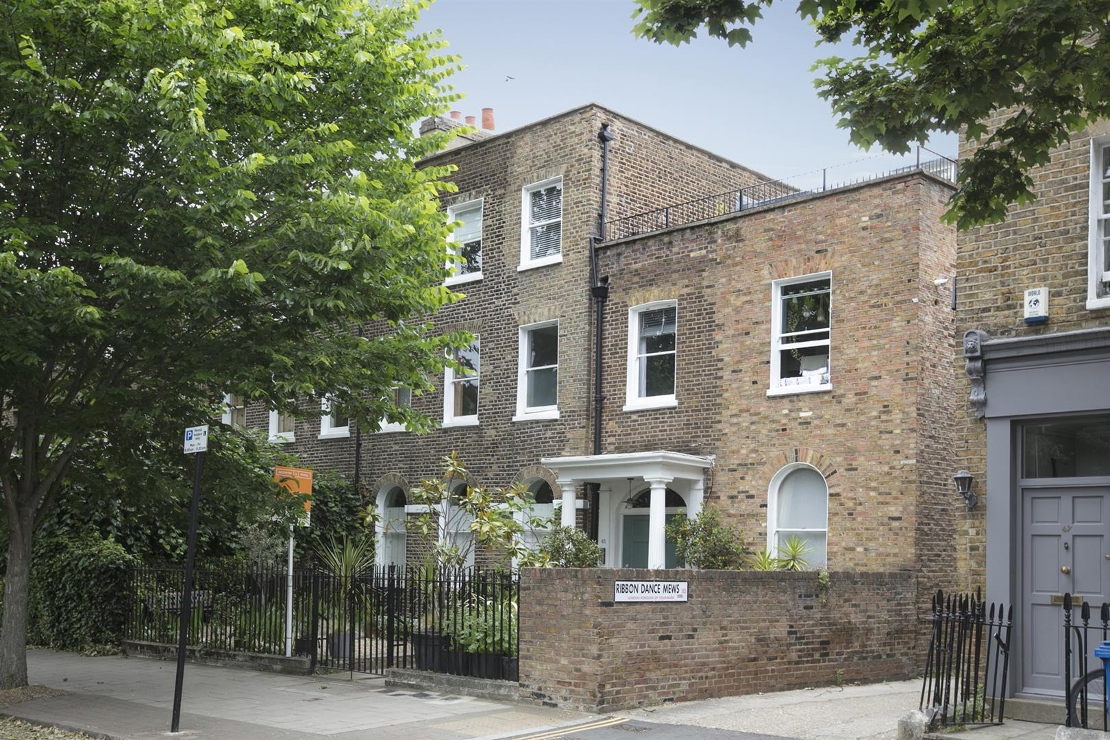 Flat/Apartment Sale Agreed in Camberwell Grove, London 612 view1