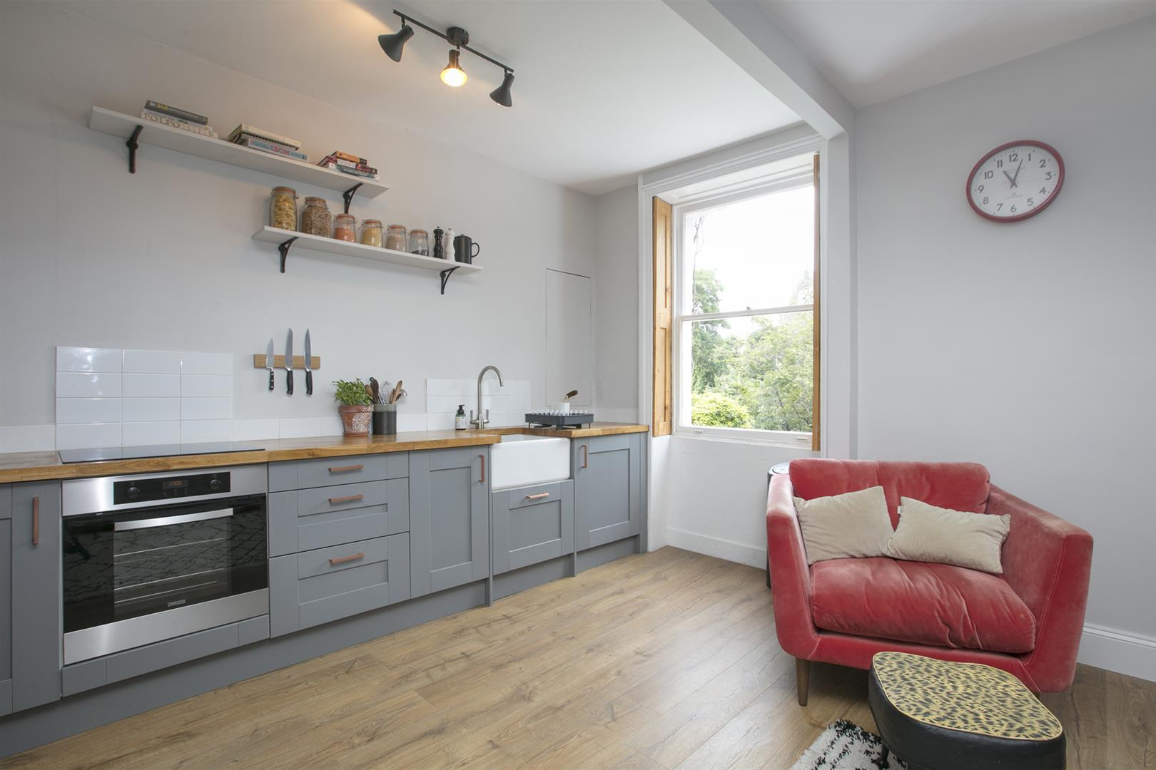 Flat/Apartment Sale Agreed in Camberwell Grove, London 612 view6