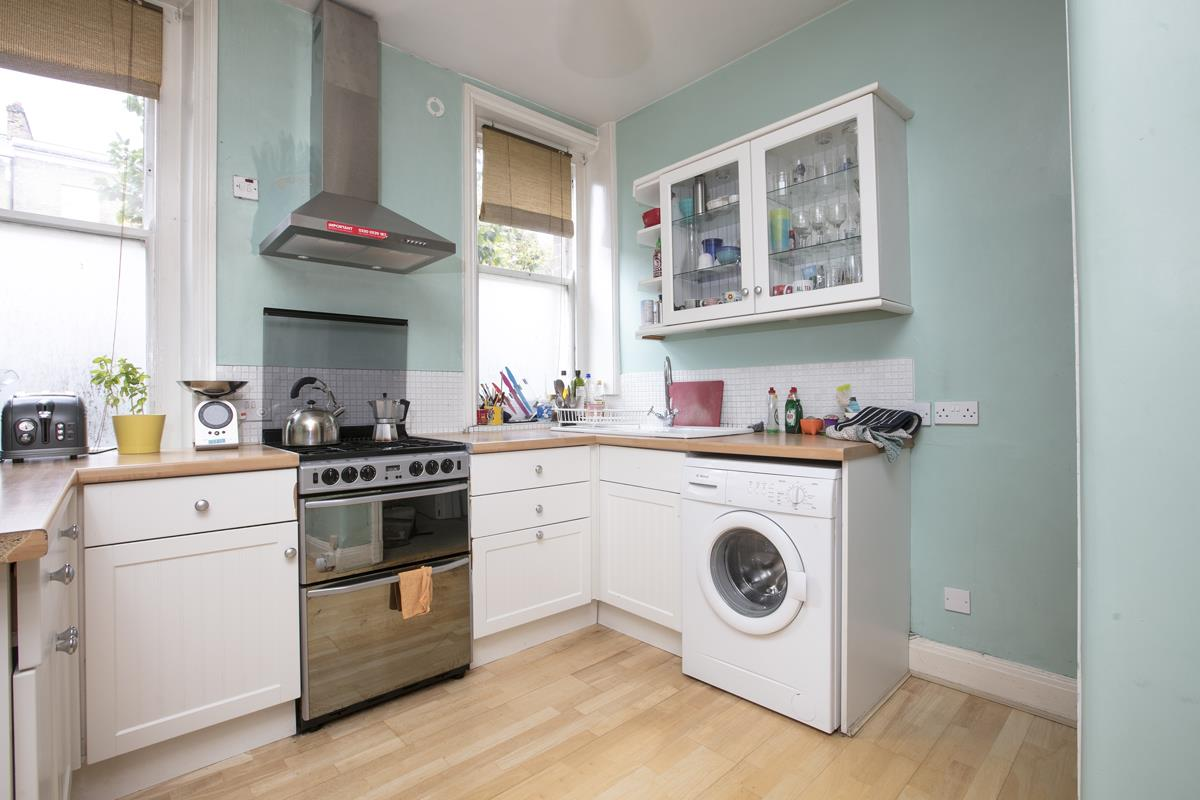Flat - Purpose Built Sale Agreed in Camberwell New Road, Camberwell SE5 387 view5
