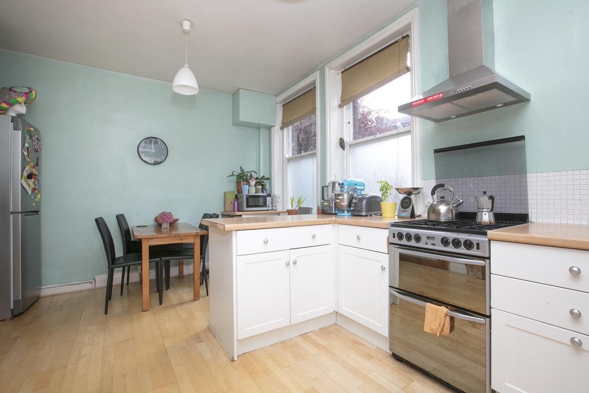 Flat - Purpose Built For Sale in Camberwell New Road, Camberwell SE5 387 view3