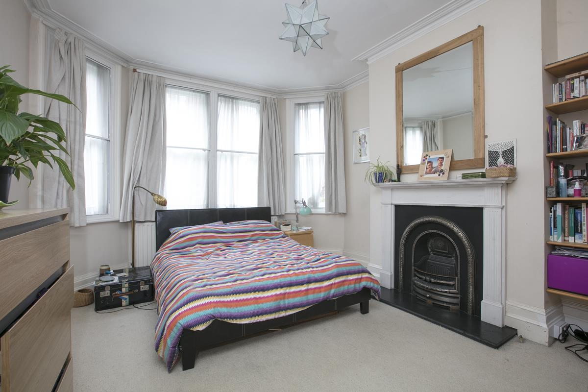 Flat - Purpose Built Sale Agreed in Camberwell New Road, Camberwell SE5 387 view7