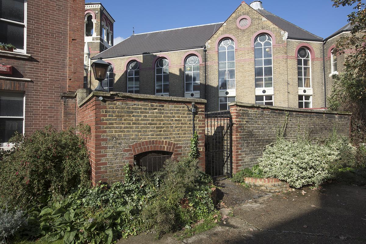Flat - Purpose Built Sale Agreed in Camberwell New Road, Camberwell SE5 387 view12