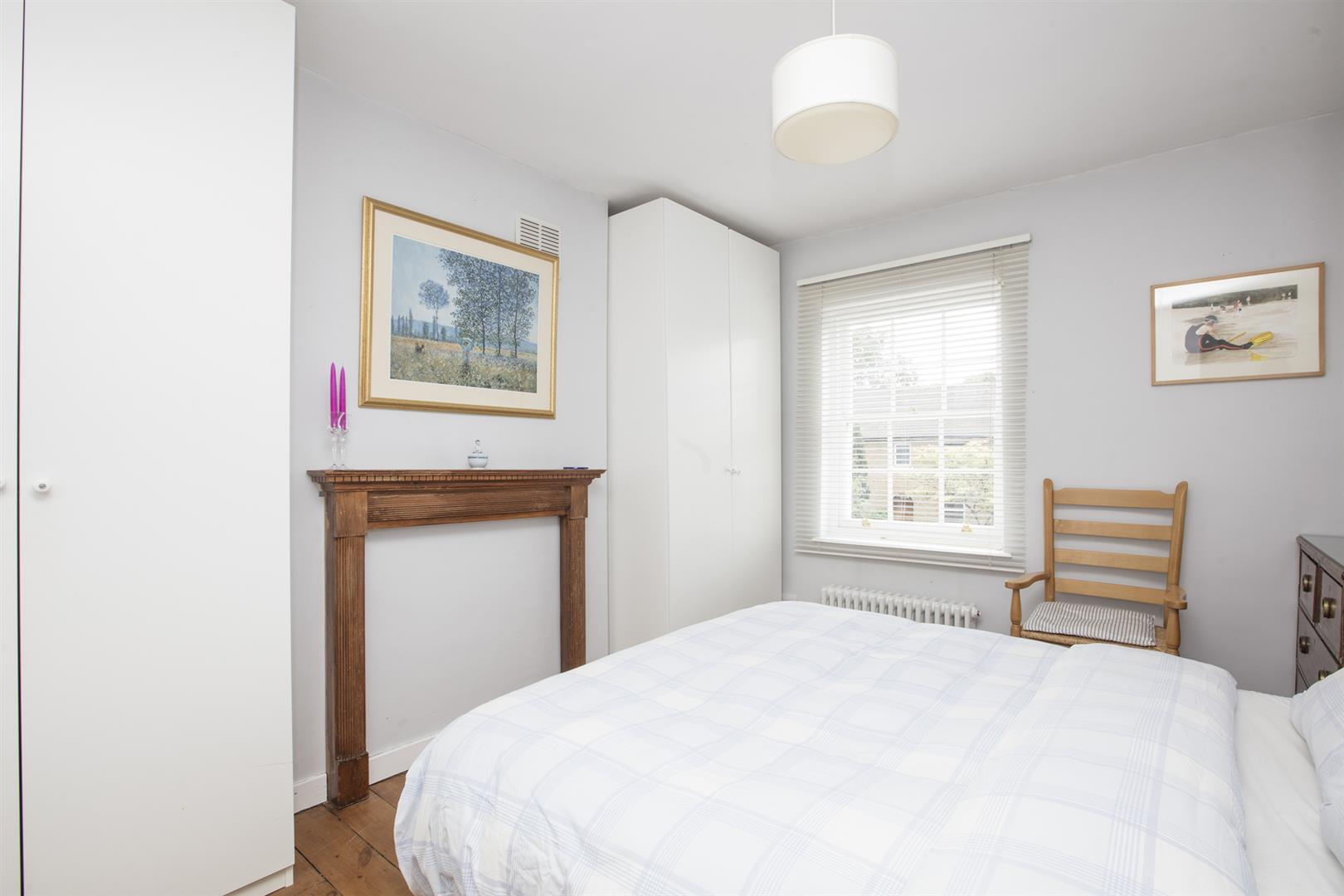 House - Semi-Detached For Sale in Camberwell New Road, Camberwell, SE5 656 view18