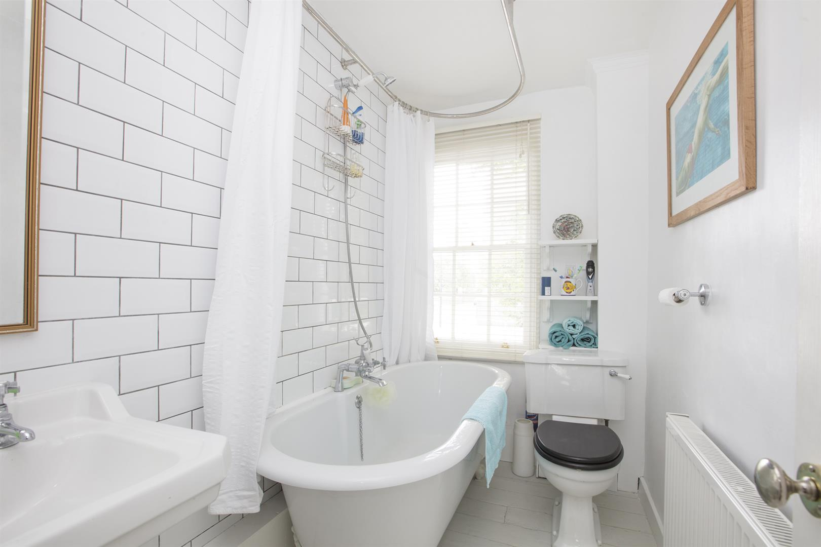 House - Semi-Detached For Sale in Camberwell New Road, Camberwell, SE5 656 view17