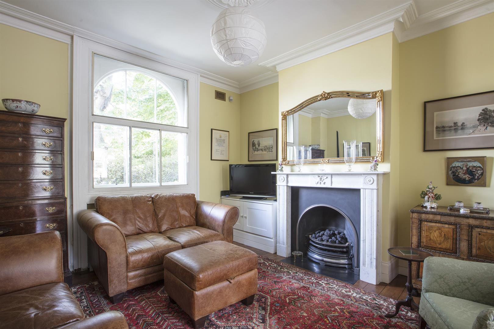 House - Semi-Detached For Sale in Camberwell New Road, Camberwell, SE5 656 view5