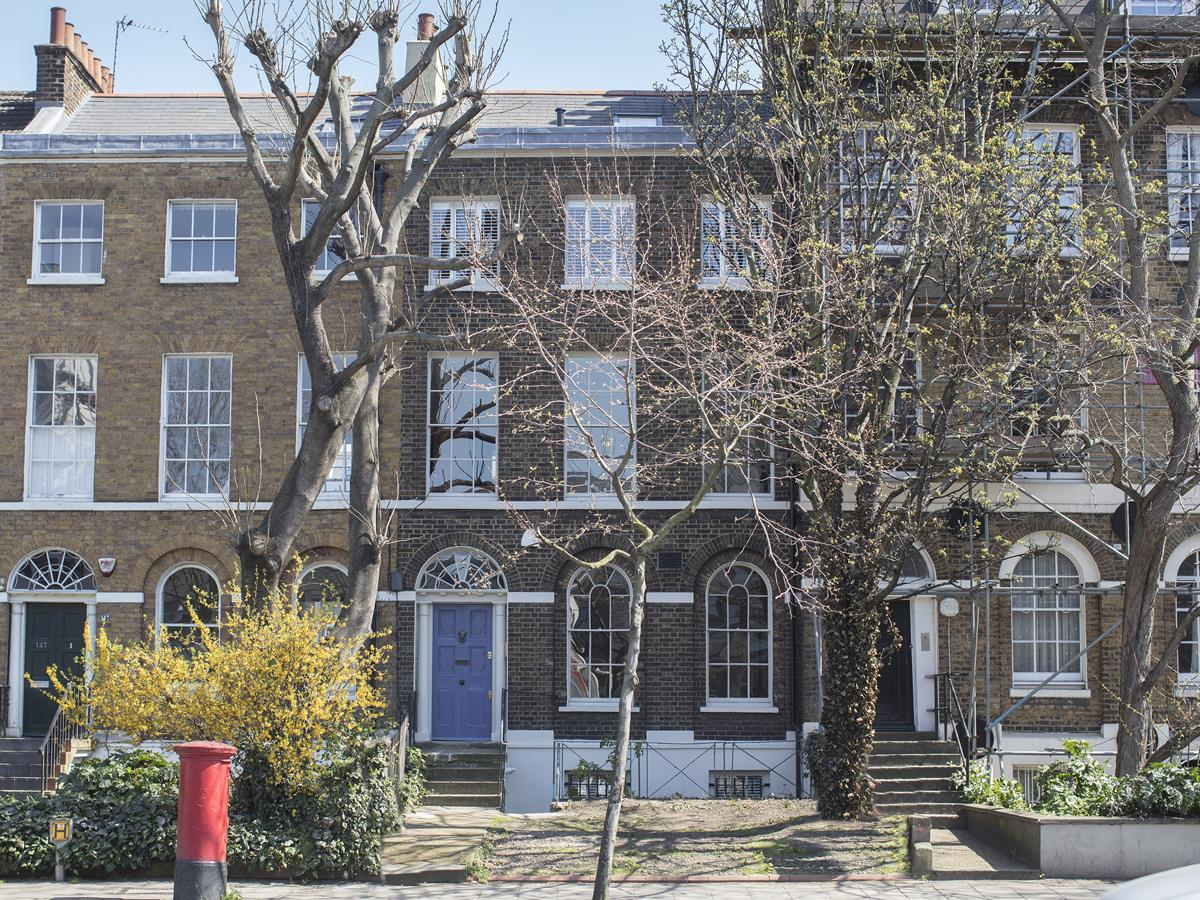 House - Terraced For Sale in Camberwell Road, SE5 371 view1