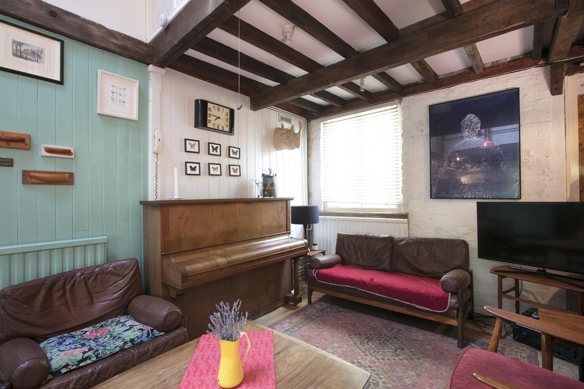 House - Terraced For Sale in Canning Cross, Camberwell, SE5 368 view8