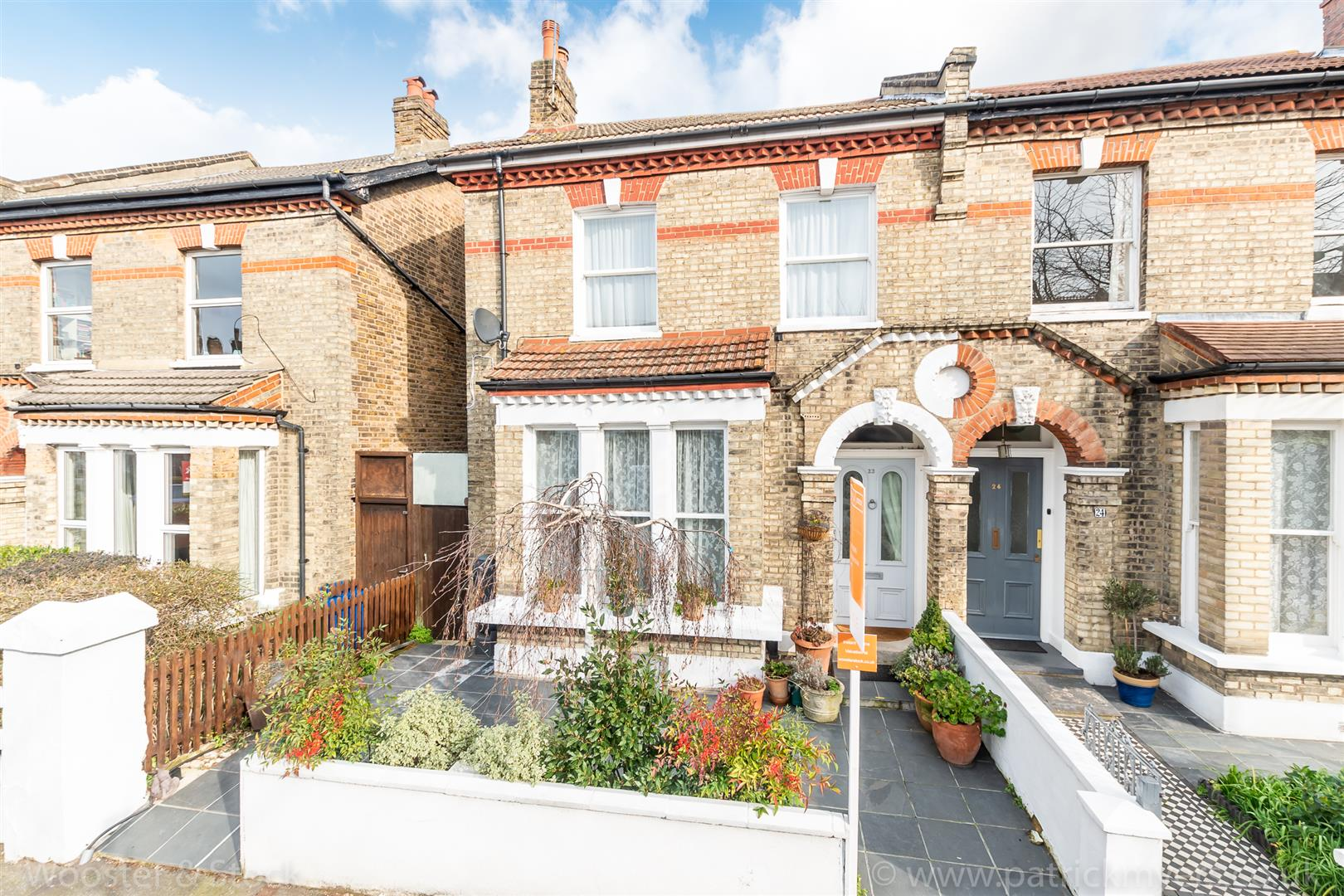 House - Semi-Detached Sale Agreed in Carden Road, Nunhead, SE15 351 view1