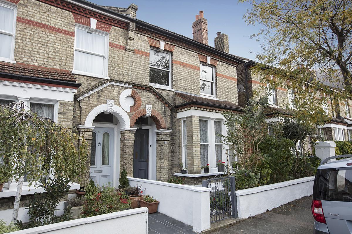 House - Semi-Detached Sale Agreed in Carden Road, Nunhead, SE15 374 view1