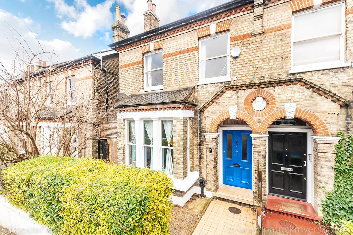 House - Semi-Detached Sale Agreed in Carden Road, Nunhead, SE15 414 view1