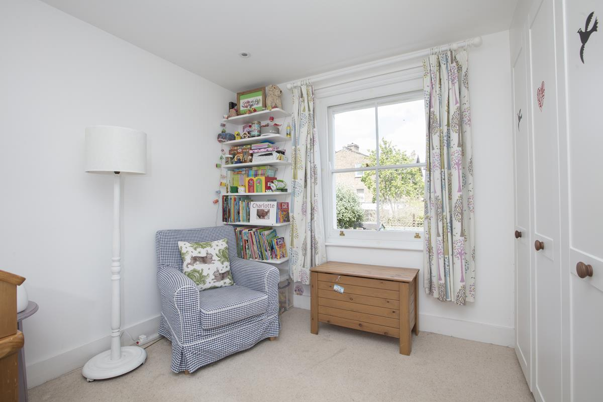 House - Semi-Detached Sold in Carden Road, Nunhead, SE15 452 view23
