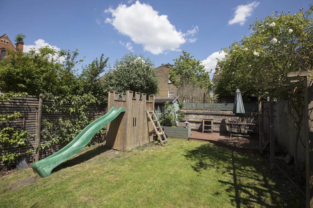 House - Semi-Detached Sold in Carden Road, Nunhead, SE15 452 view5
