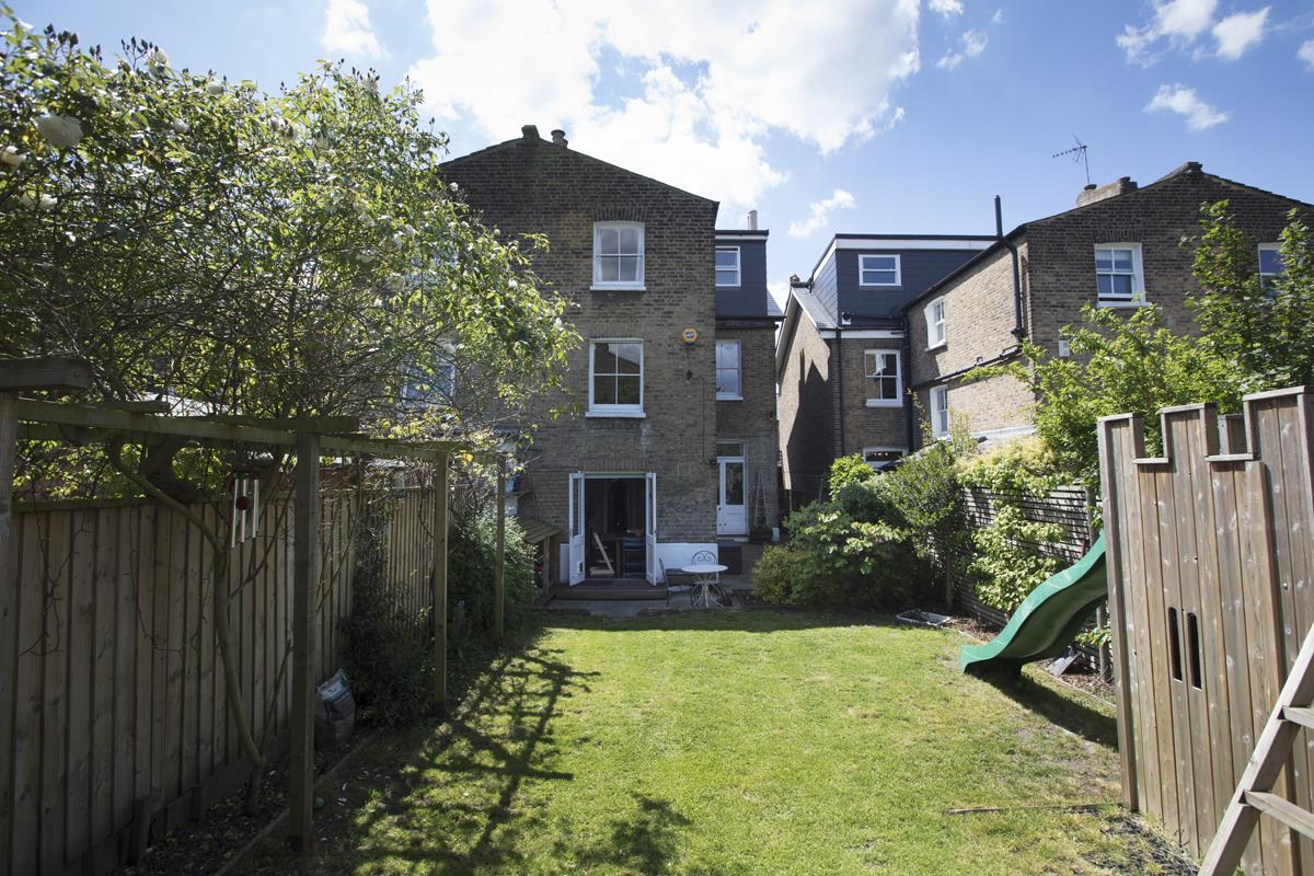 House - Semi-Detached Sold in Carden Road, Nunhead, SE15 452 view36
