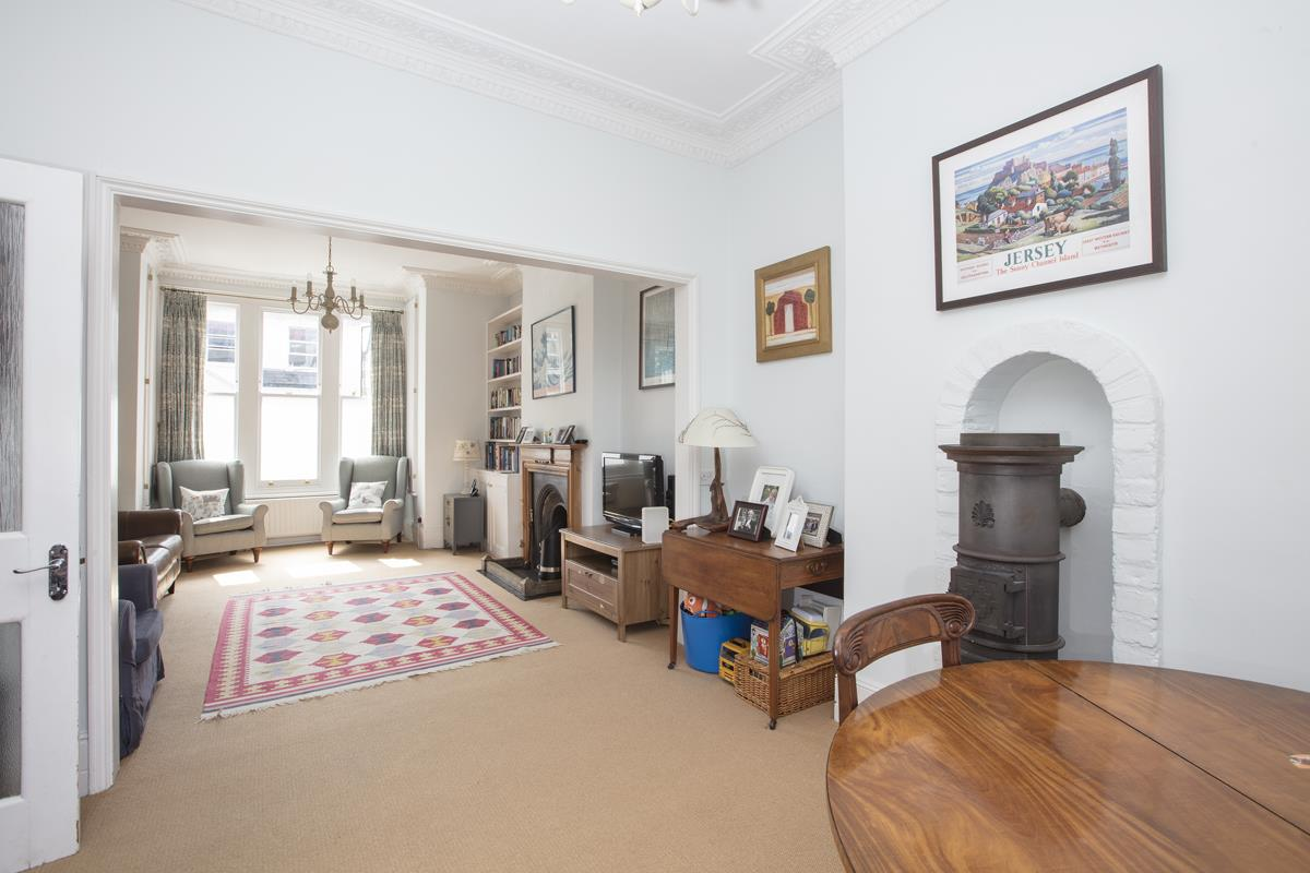 House - Semi-Detached Sold in Carden Road, Nunhead, SE15 452 view3