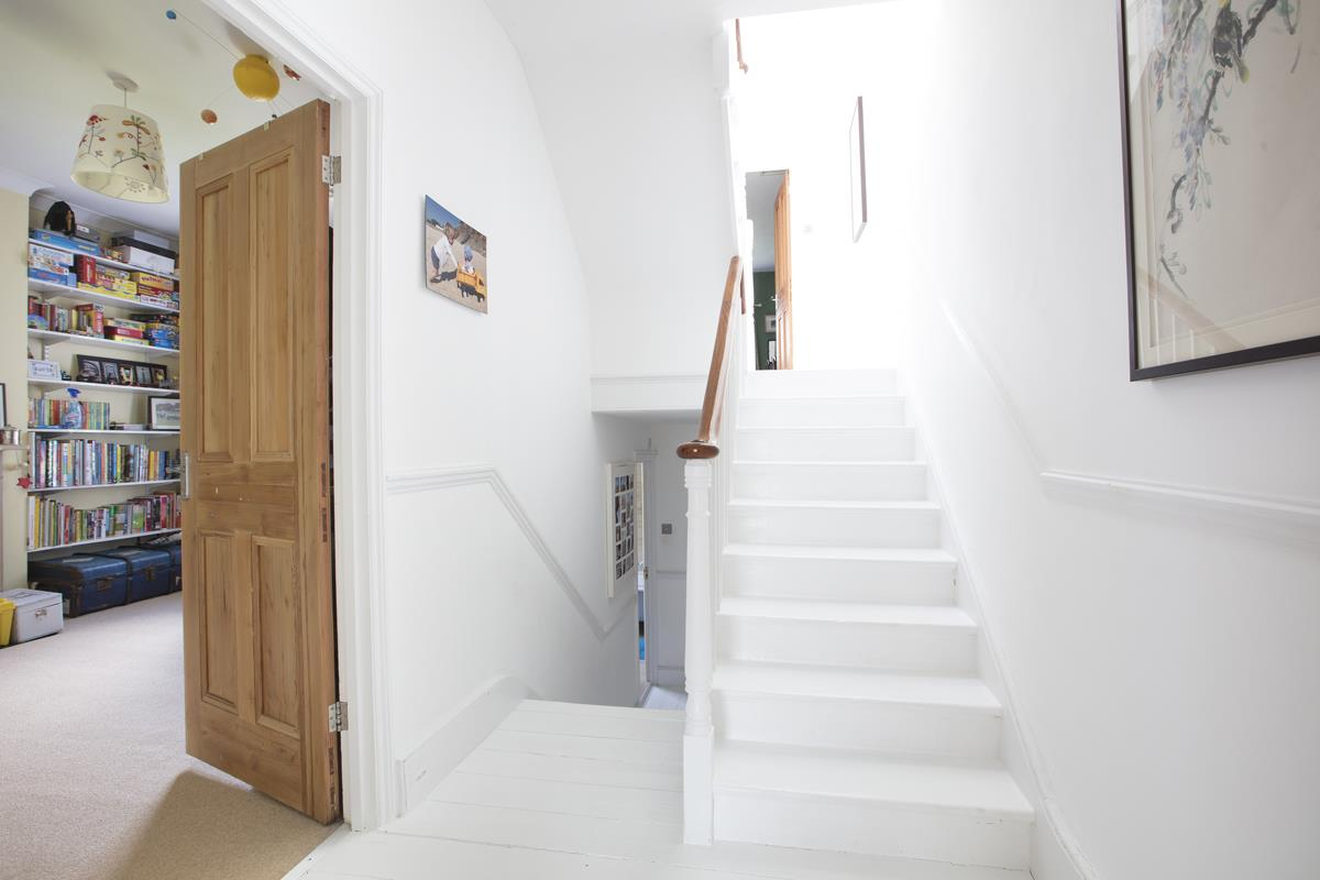 House - Semi-Detached Sold in Carden Road, Nunhead, SE15 452 view27