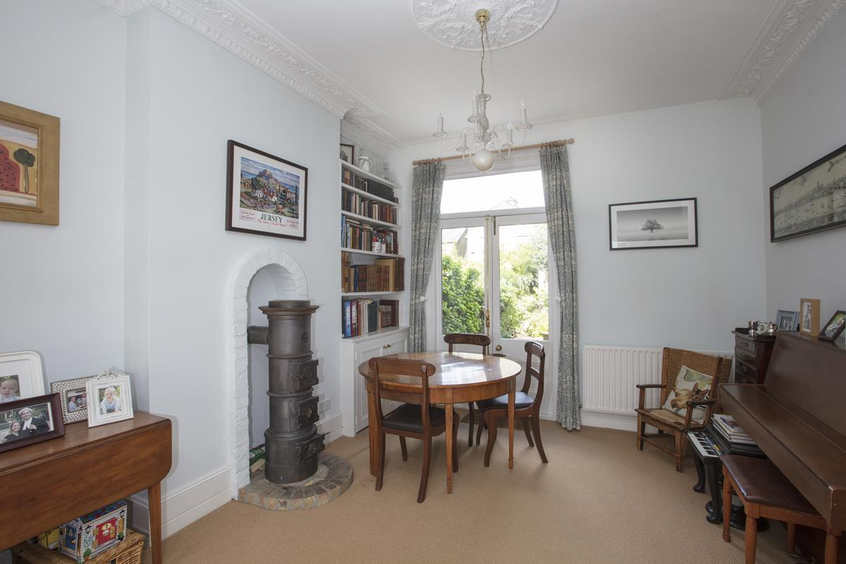 House - Semi-Detached Sold in Carden Road, Nunhead, SE15 452 view8