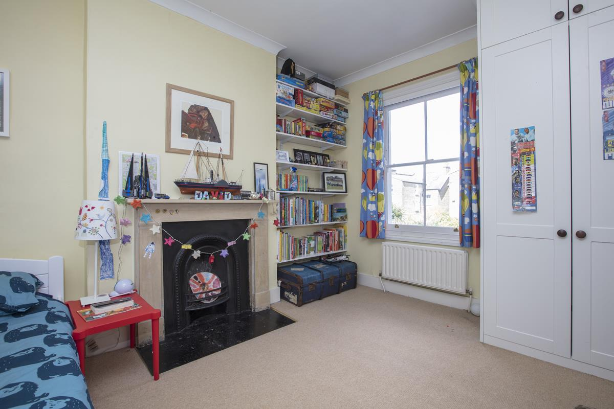 House - Semi-Detached Sold in Carden Road, Nunhead, SE15 452 view24