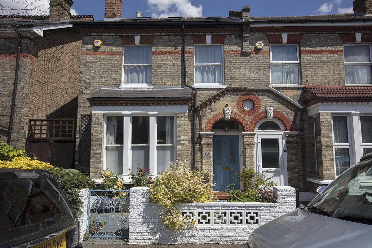 House - Semi-Detached Sold in Carden Road, Nunhead, SE15 452 view1