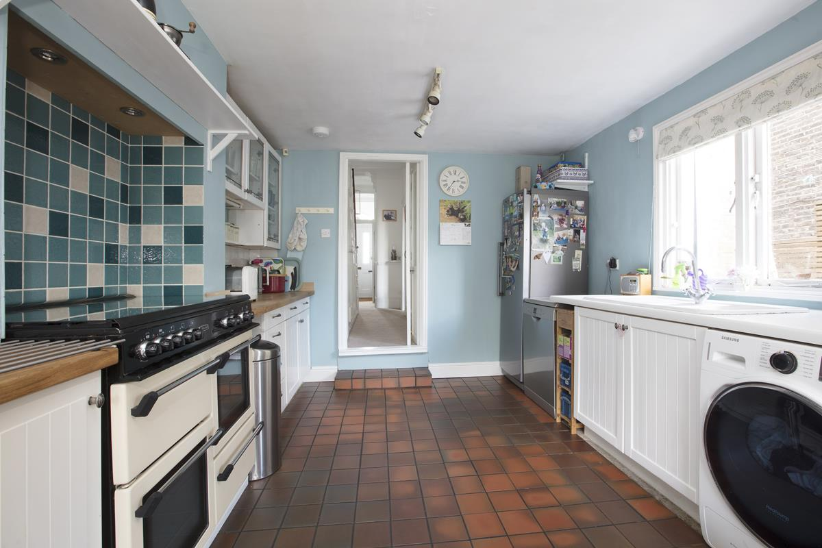 House - Semi-Detached Sold in Carden Road, Nunhead, SE15 452 view10
