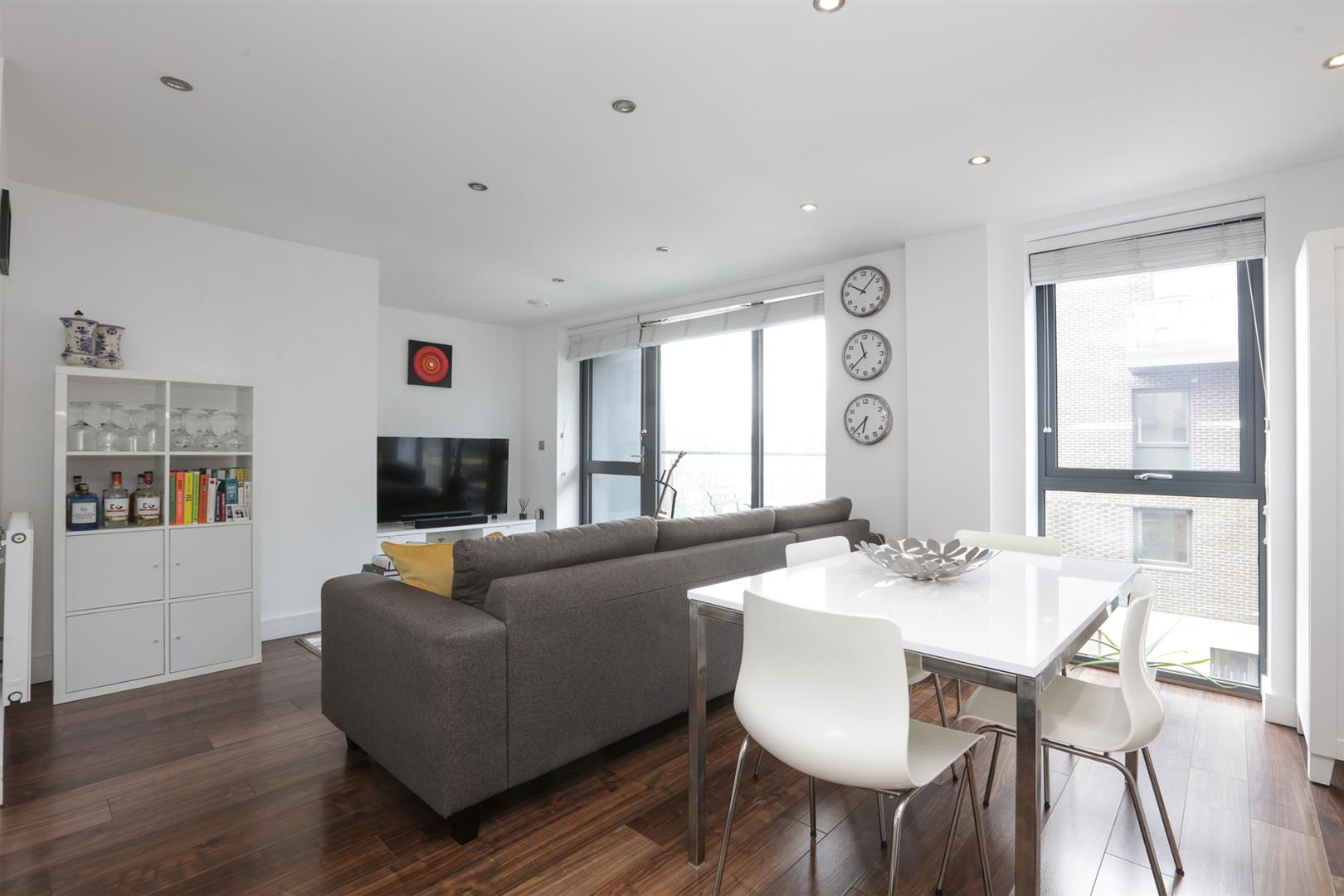 Flat - Purpose Built For Sale in Carlton Grove, Peckham, SE15 596 view2