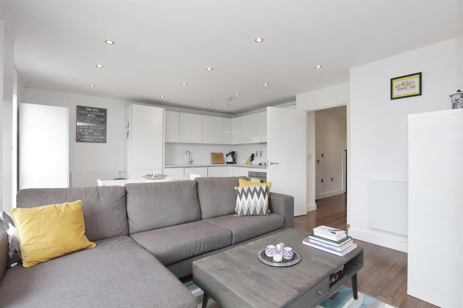 Flat - Purpose Built For Sale in Carlton Grove, Peckham, SE15 596 view6