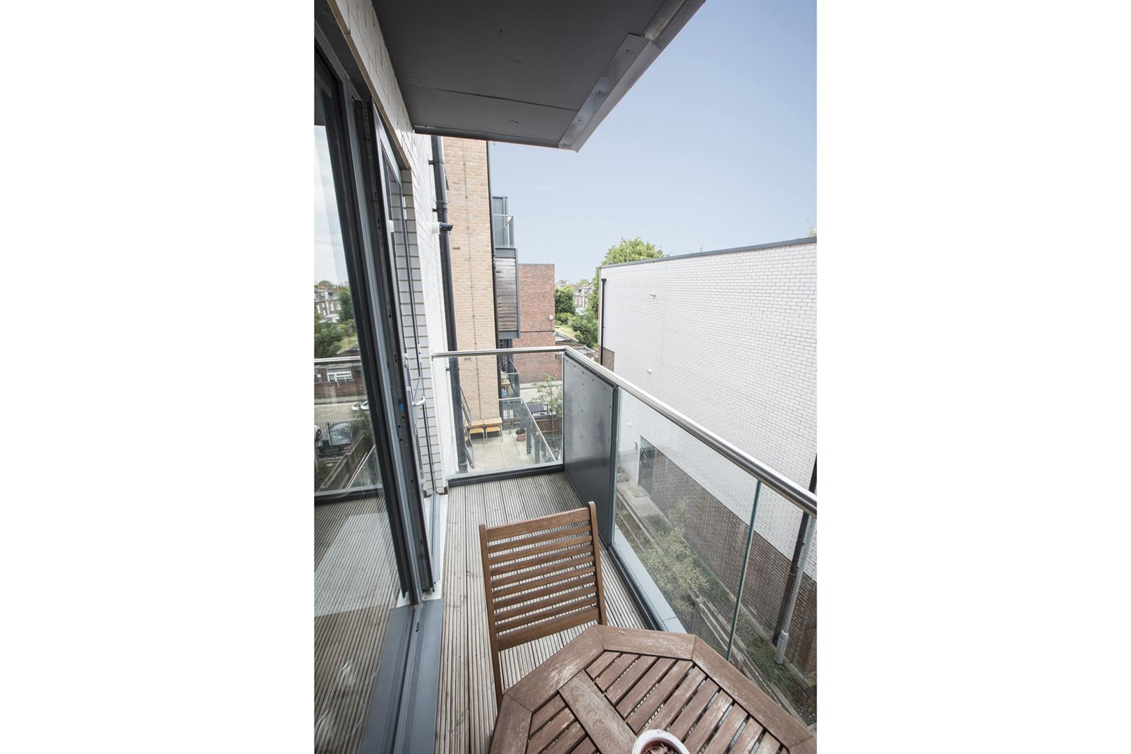 Flat - Purpose Built Sale Agreed in Carlton Grove, Peckham, SE15 605 view8