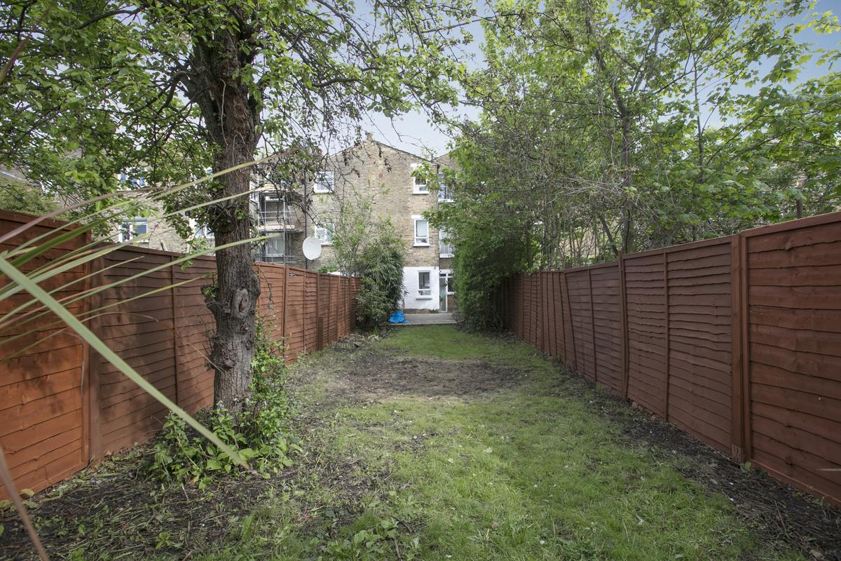 Flat/Apartment For Sale in Chadwick Road, Peckham, SE15 322 view8
