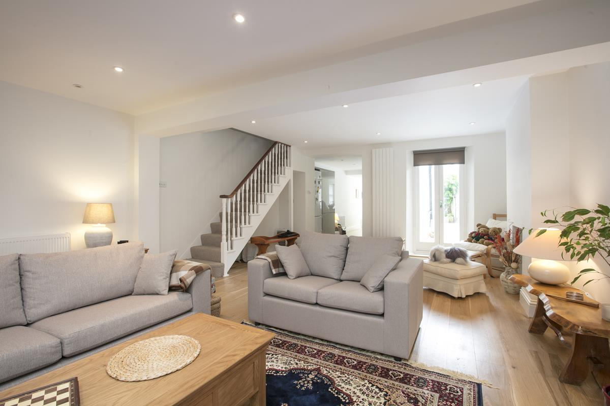 House - Semi-Detached For Sale in Chadwick Road, Peckham, SE15 342 view14