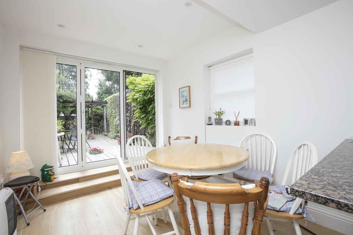 House - Semi-Detached For Sale in Chadwick Road, Peckham, SE15 342 view16
