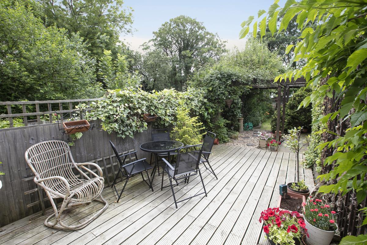 House - Semi-Detached For Sale in Chadwick Road, Peckham, SE15 342 view17