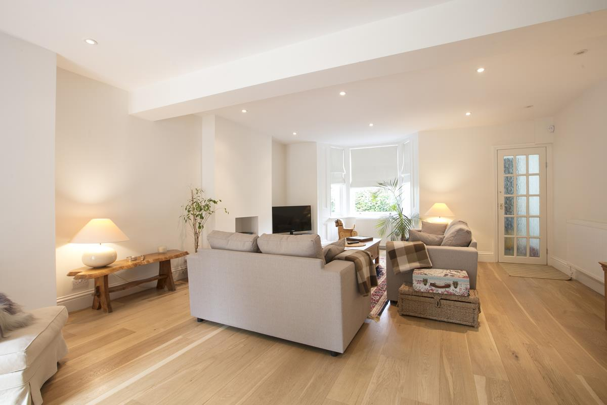 House - Semi-Detached For Sale in Chadwick Road, Peckham, SE15 342 view12