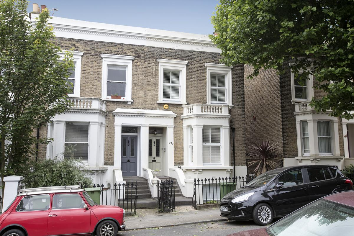 House - Semi-Detached For Sale in Chadwick Road, Peckham, SE15 342 view1