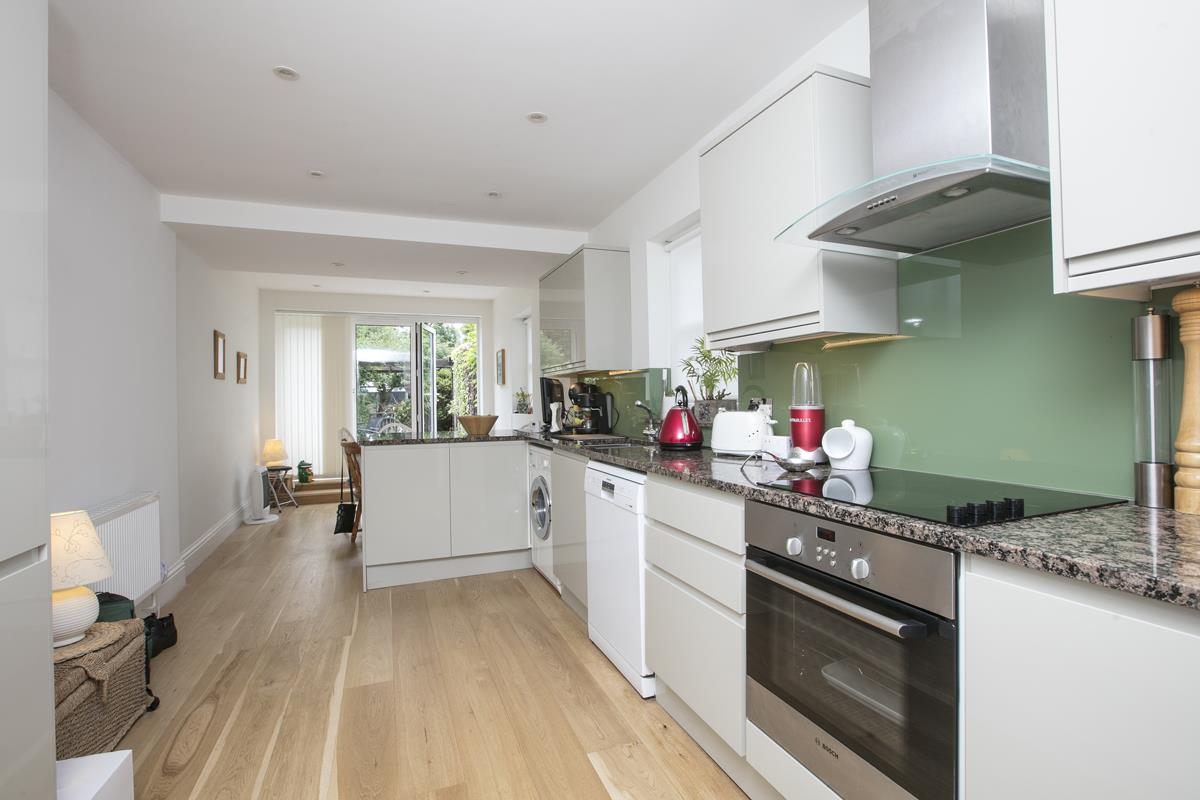 House - Semi-Detached For Sale in Chadwick Road, Peckham, SE15 342 view15
