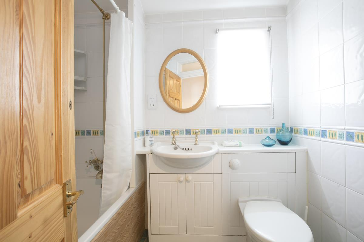 House - Semi-Detached For Sale in Chadwick Road, Peckham, SE15 342 view10