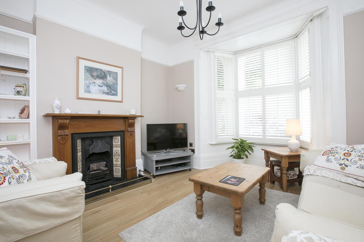 House - Semi-Detached For Sale in Chadwick Road, Peckham, SE15 342 view2