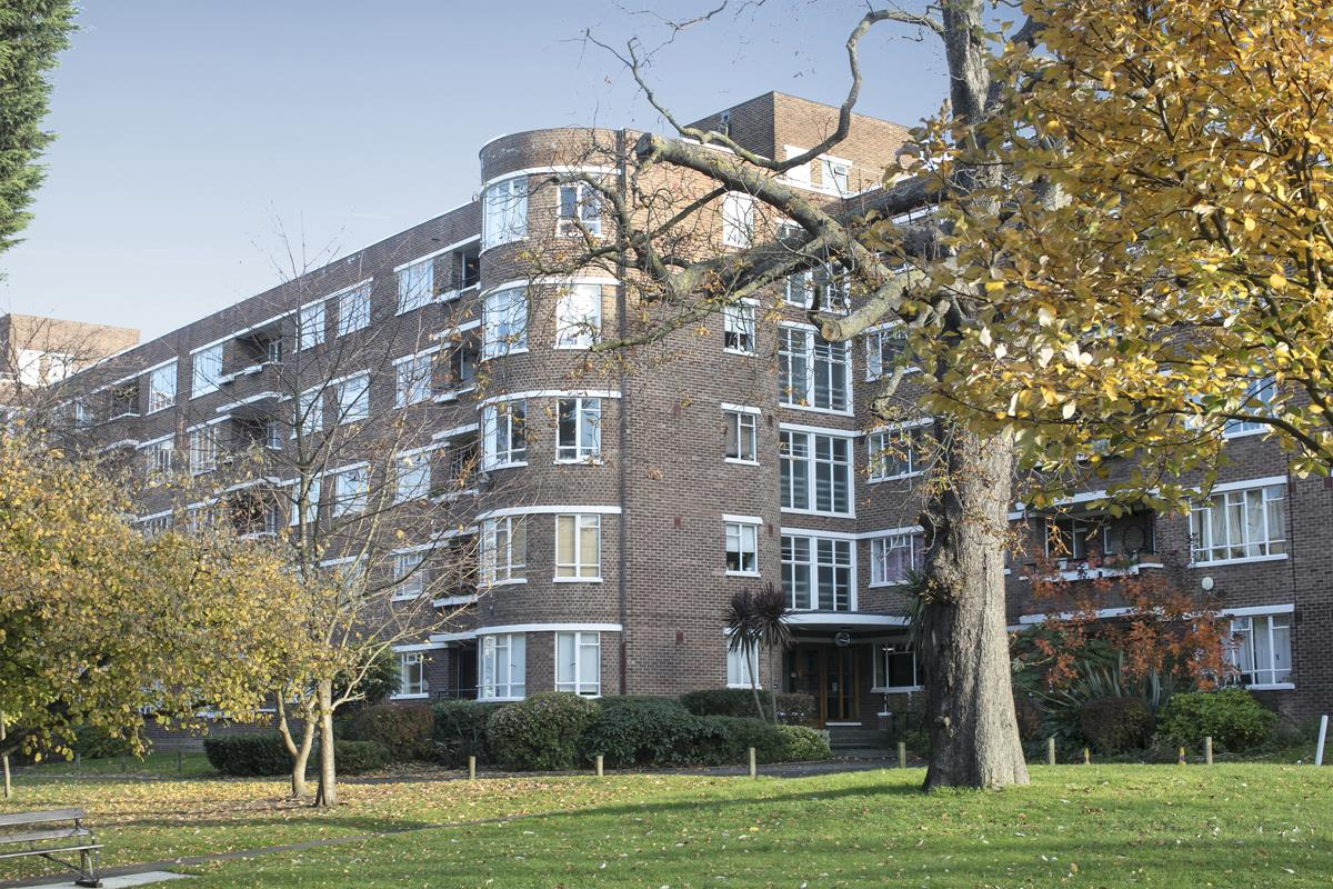Flat - Studio For Sale in Champion Hill, Camberwell, London 393 view1