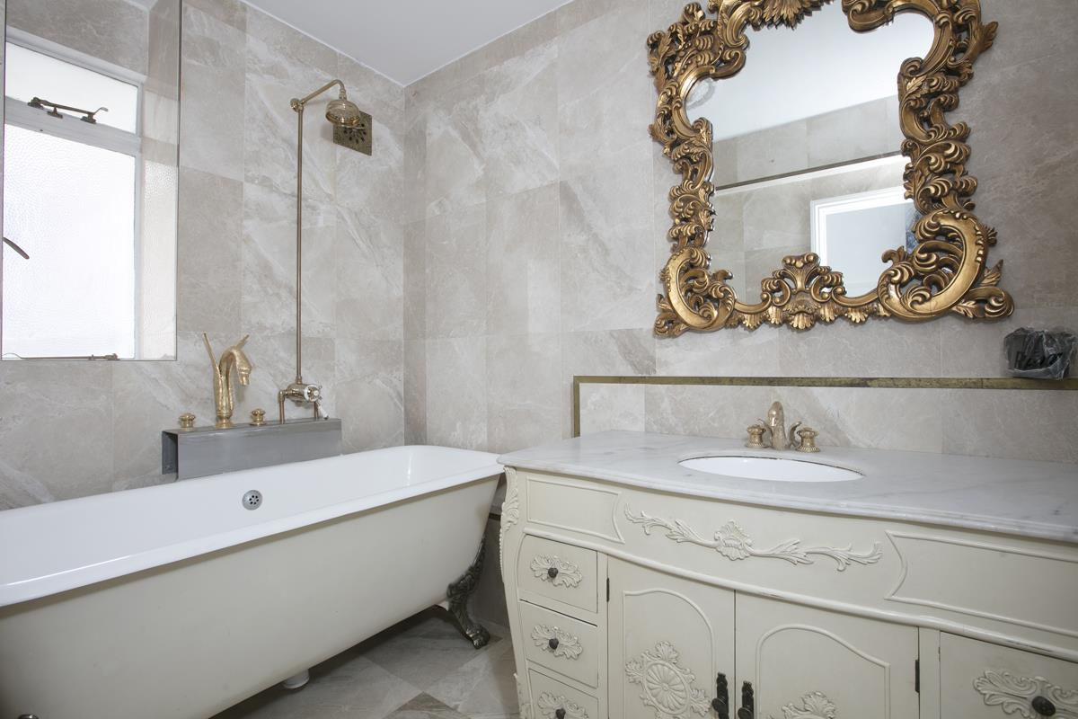 Flat - Studio For Sale in Champion Hill, Camberwell, London 393 view9