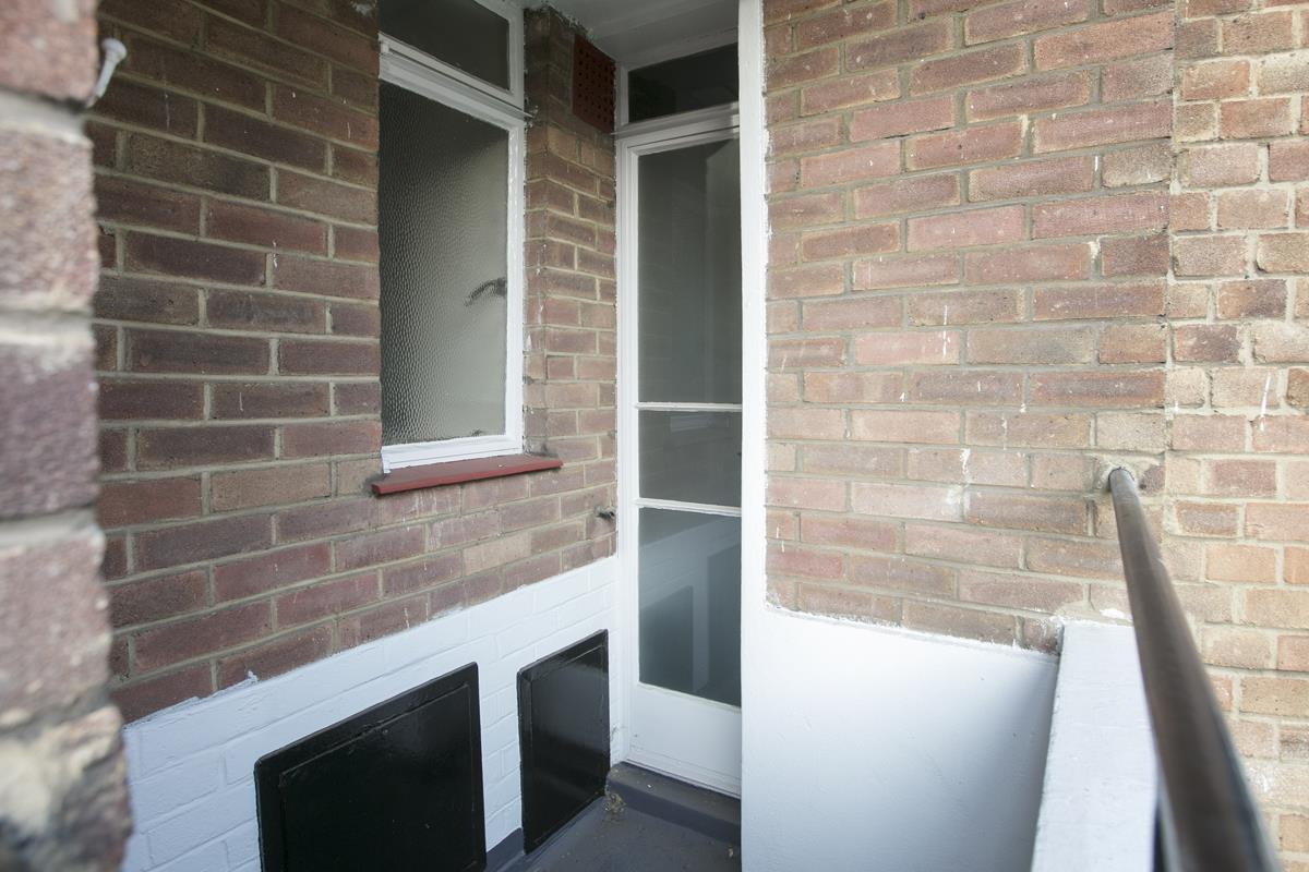 Flat - Studio For Sale in Champion Hill, Camberwell, London 393 view6