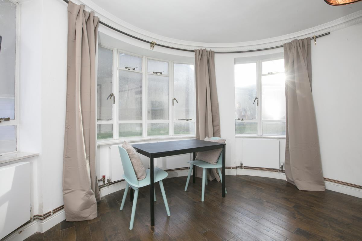 Flat - Studio For Sale in Champion Hill, Camberwell, London 393 view3