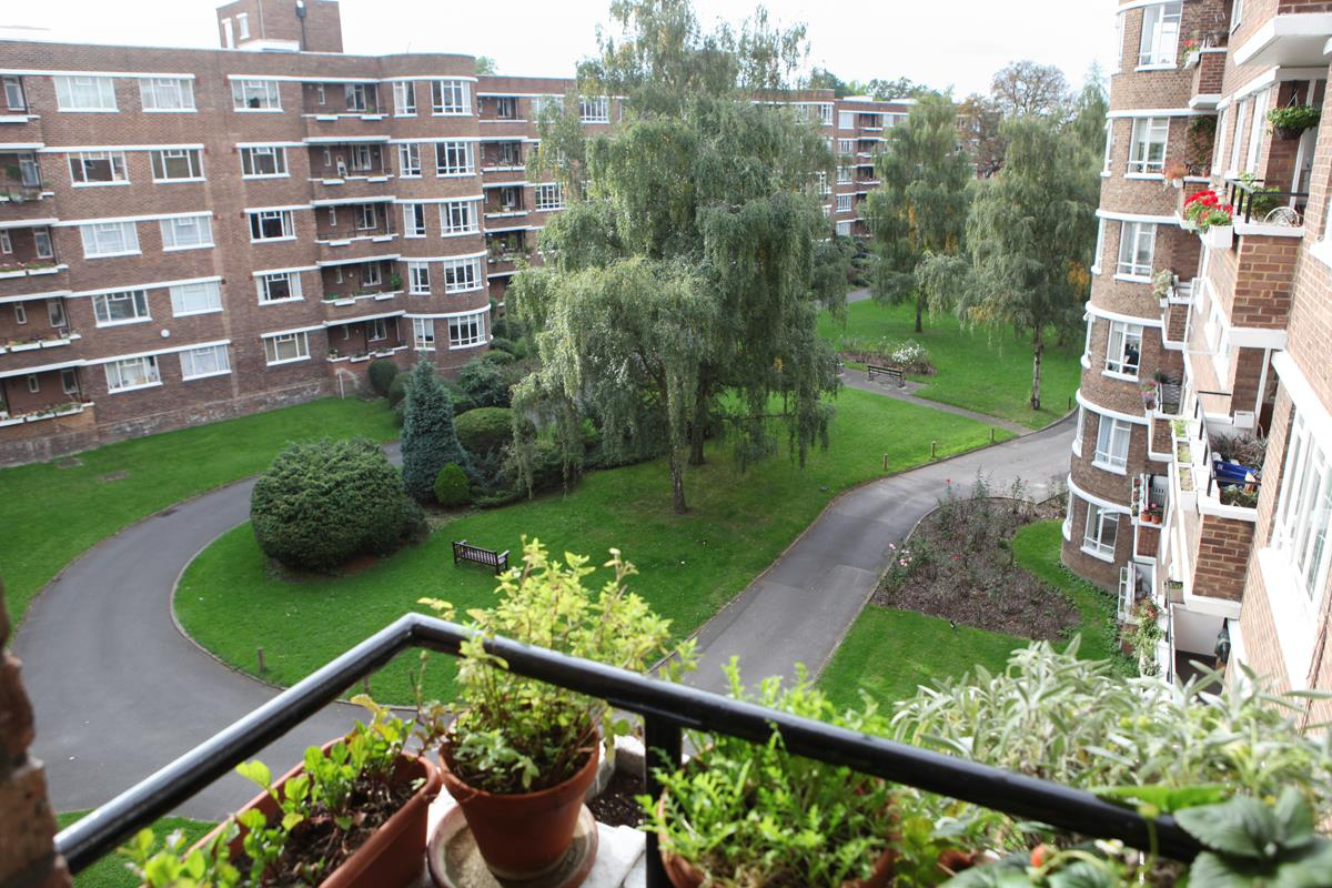 Flat/Apartment Sale Agreed in Champion Hill, Camberwell, SE5 392 view3