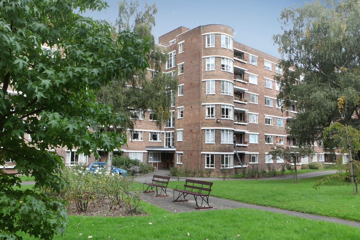 Flat/Apartment Sale Agreed in Champion Hill, Camberwell, SE5 392 view1