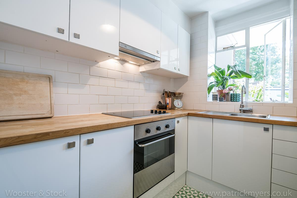 Flat - Purpose Built Sale Agreed in Champion Hill, Camberwell, SE5 467 view9