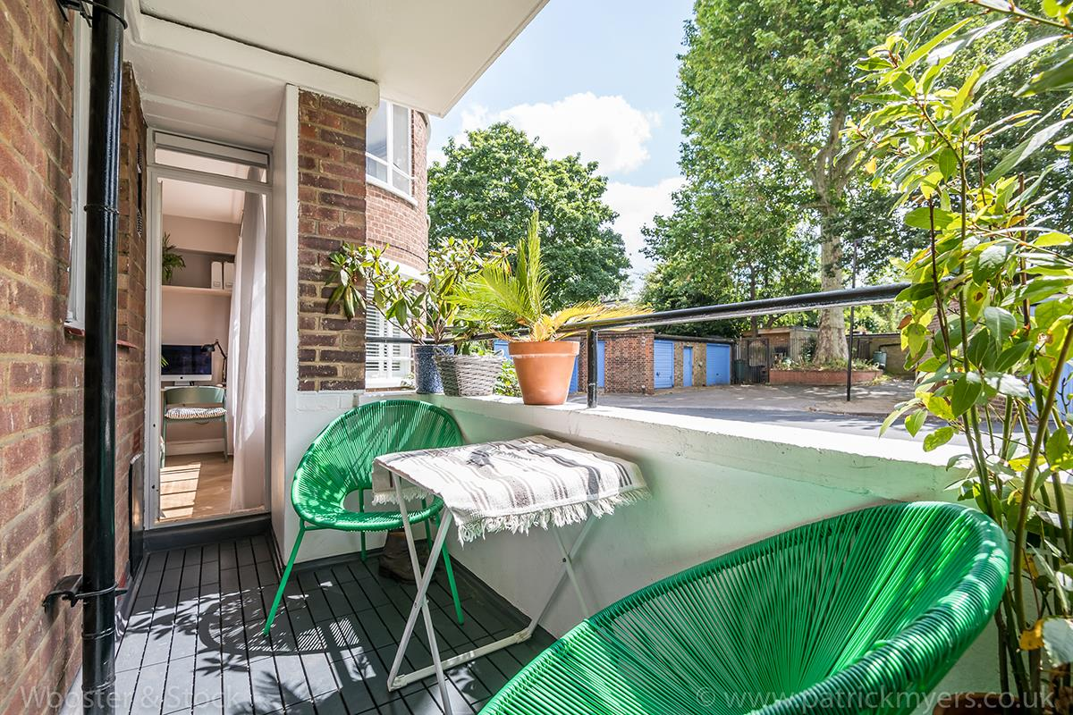 Flat - Purpose Built Sale Agreed in Champion Hill, Camberwell, SE5 467 view17