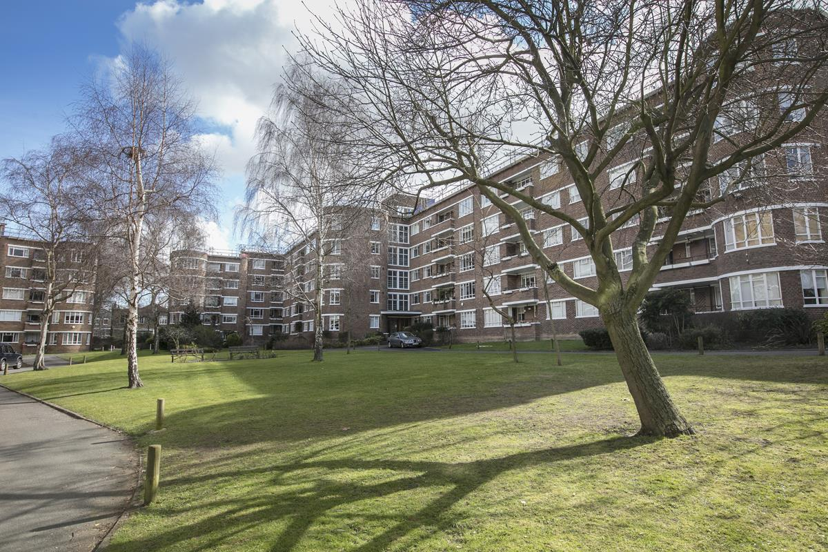 Flat - Purpose Built Sale Agreed in Champion Hill, Camberwell, SE5 492 view16