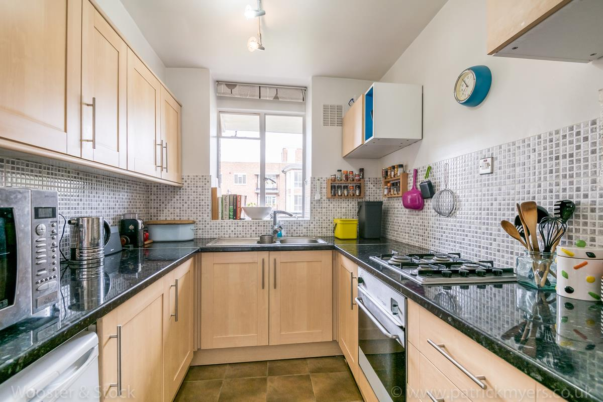Flat - Purpose Built Sold in Champion Hill, Camberwell, SE5 492 view4