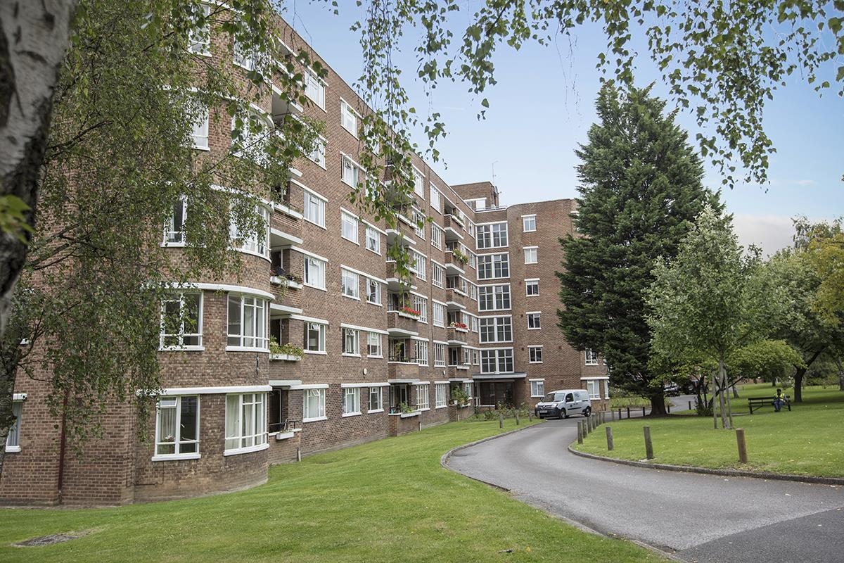 Flat - Purpose Built Sale Agreed in Champion Hill, Camberwell, SE5 492 view1